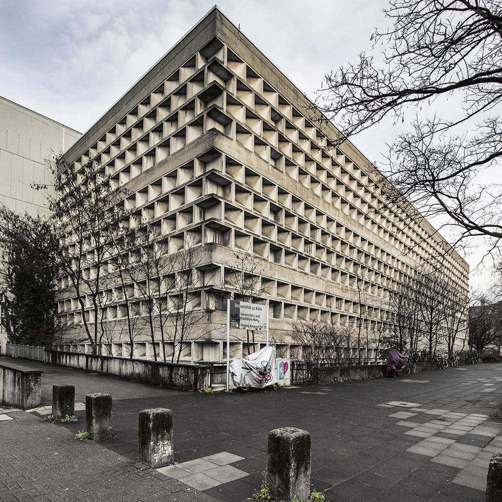 Roberto Conte - Biblioteca universitaria, di Rolf Gutbrod (1964-68). Colonia, Germania.