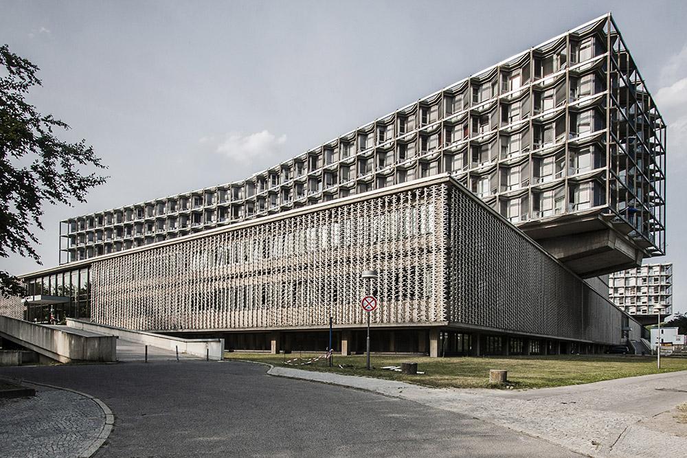 Roberto Conte - Charité Campus Benjamin Franklin (CBF), di Nathaniel C. Curtis, Arthur Q. Davis e Franz Mocken (1959-1968). Berlino, Germania.