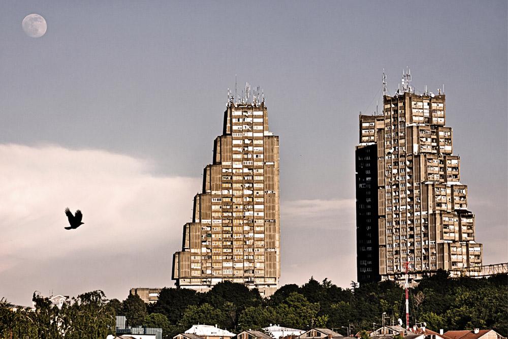 """Roberto Conte - Complesso di edifici """"Rudo"""", di Vera Ćirković e Milutin Jerotijević (1976). Belgrado, Serbia."""