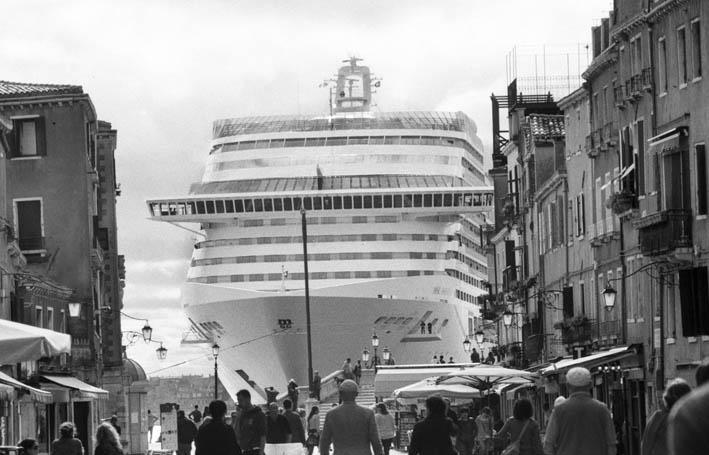 Venezia, 2013-2015. Bacino San Marco, visto da via Garibaldi © Gianni Berengo Gardin/Courtesy Fondazione Forma per la Fotografia