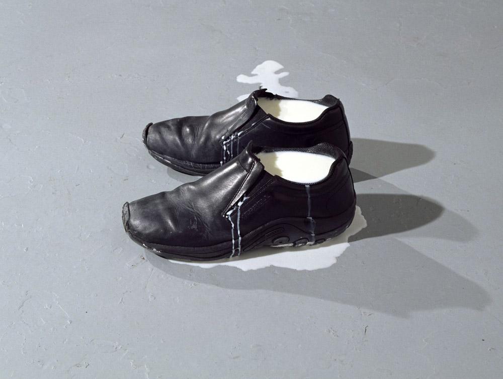 Patrick Tosani, Les chaussures de lait I
