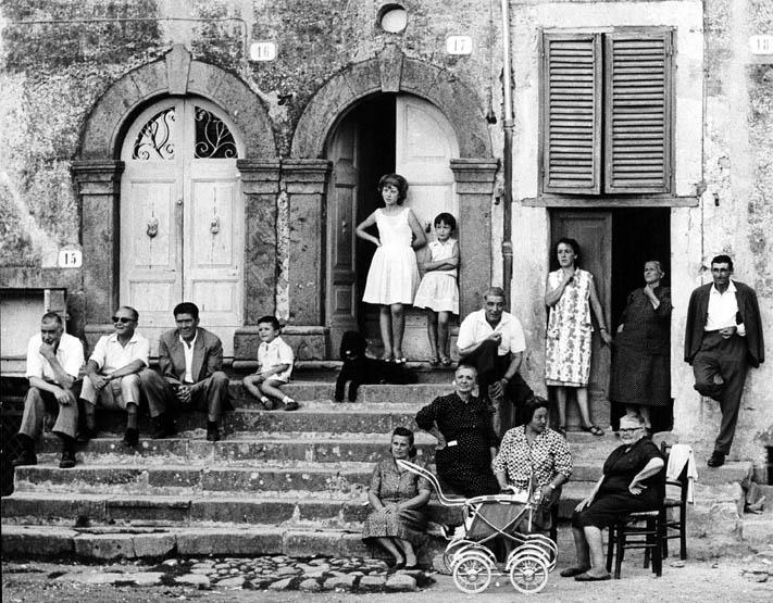 Oriolo Romano, Lazio, 1965 © Gianni Berengo Gardin/Courtesy Fondazione Forma per la Fotografia