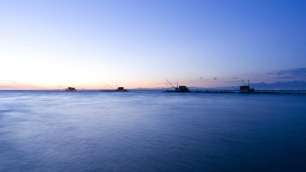 Bocca d'Arno (PI) – Ora blu / Novembre 2011 ...e la festa silenziosa che trovammo era fatta poi di sguardi e di respiri misurati dall'arrivo del tramonto, quando il mare sposa il fiume e si riposa.