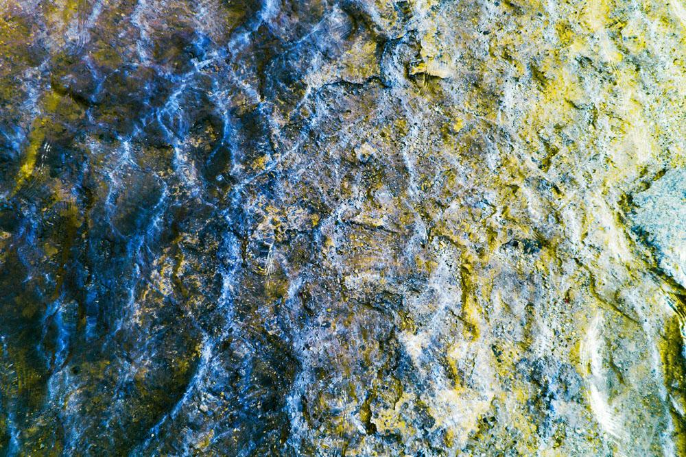 Aldo Salucci_Topazio azzurro e giallo_2016_C-Print Lambda montata sotto acrilico_cm 122x182_© Aldo Salucci
